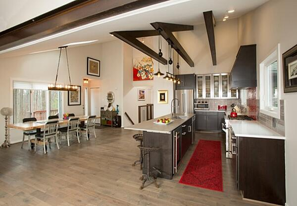 4 Factors to Consider When Choosing a Home Remodeling Contractor